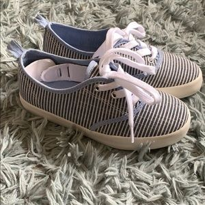 Girls Shoes.
